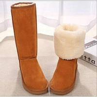 UGG boots are popular with couples in winter fashion