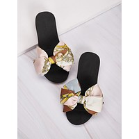 Chain Print Bow Decor Sliders