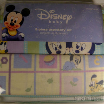 Disney Baby 3 Pc Accessory Set Flannel Blanket Crib Dust Ruffle Diaper Stacker