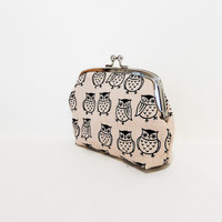 Clutch Metal Frame Pouch Coin Purse Small Pouch Owls in Taupe