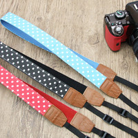 Strapya World : Camera Straps and Bags