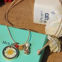 Daisies  necklace from Moonlightgirl