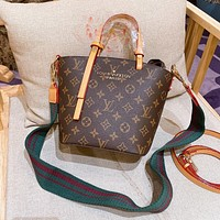 Louis Vuitton LV new style foreign fashion wild picture bucket bag simple single shoulder bag