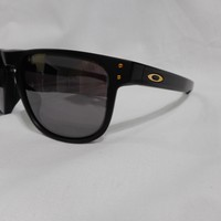 New 100% Authentic Oakley Holbrook R Polarized Prizm Sunglasses OO9377-0955