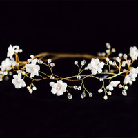 Bridal flower crown, White flower crown, bridal hair accessories, wedding tiara, gold wedding hair accessories, Hair Wreaths