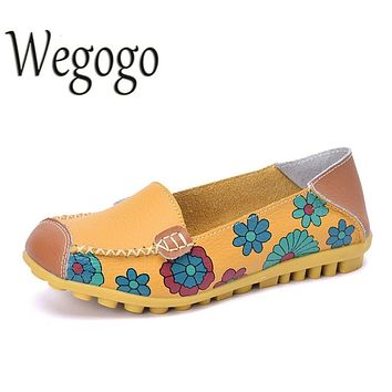 Vintage Embroideried Women Flats Leather Shoes Moccasins Loafers Girls Breathable Outdoor Cow Muscle Outsole Floral Flat Shoes