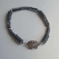 Hematite Bracelet w fab Clasp 6 1/2 in for smaller wrist Magnetic Jewelry