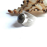 925 Sterling Silver 5Kt Labradorite Victorian Style Ring Sterling Silver Labradorite Ring Silver Gemstone Ring Protection From Negativity