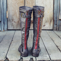 The Freestone Boots in Gray