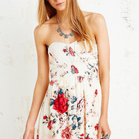 Kimchi Blue Strapless Dress in Floral Print - Urban Outfitters