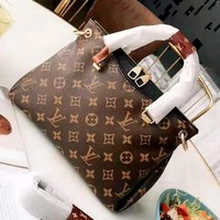 LV 2019 new high quality female models classic old flower canvas handbag shoulder diagonal package