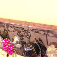 Jewelry/Necklace Display Pink and Black Diva/Girlish, Jewelry Hanger