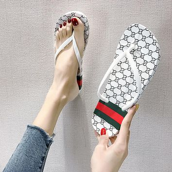 LV Louis vuitto GG New Flip Flops Ladies Beach Sandals and Slippers Fashionable Outerwear Shoes White