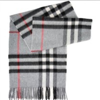 Brand New Authentic Grey Check BURBERRY Classic Cashmere Scarf, NWOT