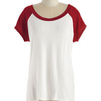 Mid-length Short Sleeves High-Low Hem Skates One to Know One Tee in Ruby