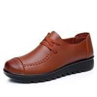 Women Soft Flats Spring autumn Genuine Leather Women Shoes casual fashion Slip On comfortable Lacing mother shoes