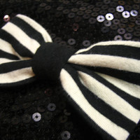 Striped Hair Bow - Scene / Emo Bow - Black and White