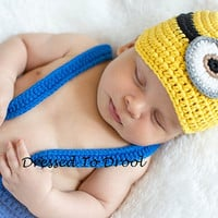 Minion DESPICABLE ME - Hat and Diaper Cover with Suspenders Outfit Set.  Newborn Baby Infant Photo Props