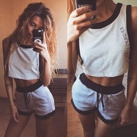 (2 Pcs) Womens Fashion Sleeveless Sportswear Tank Crop Top Shirt T-shirt Sweatshirt Jumper and Shorts Sweatpants Set _ 3550