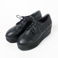 Simple Wedge Brogue Black