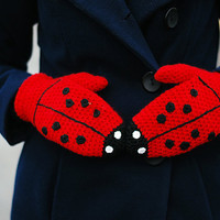 Ladybug Mittens Gloves Gift Wool Crochet Winter Cold Days Woman Girl Teens Cozy Red Black