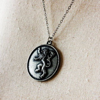 House Lannister of Casterly Rock Crest Pendant Necklace - Game of Thrones Cosplay - Cersei Lannister Jewelry - Hear Me Roar - GoT jewellery
