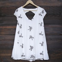 embroidered flowy dress - ivory