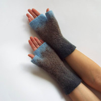 Felted fingerless gloves. Felted mittens. Blue, beige, gray felt mittens.
