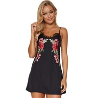 2019 Summer Sexy Women Mini Dress Floral Embroidery Lace V-Neck Slip Dress Backless Party Flower A-Line Dresses Black/White