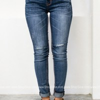 Dark Wash Easy Fit Skinny Denim | Grace in L.A