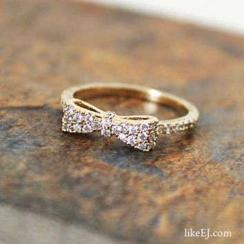 Gorgeous Crystal Bow Ring