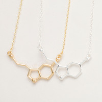 New 2017 Fashion Jewelry Serotonin Molecule Chemistry Necklace Small Pendant Necklaces for Women Cute Simple Party Jewelry N012
