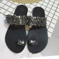 Fashionable and hot sale crystal diamond sandals trend flat and refreshing slippers.
