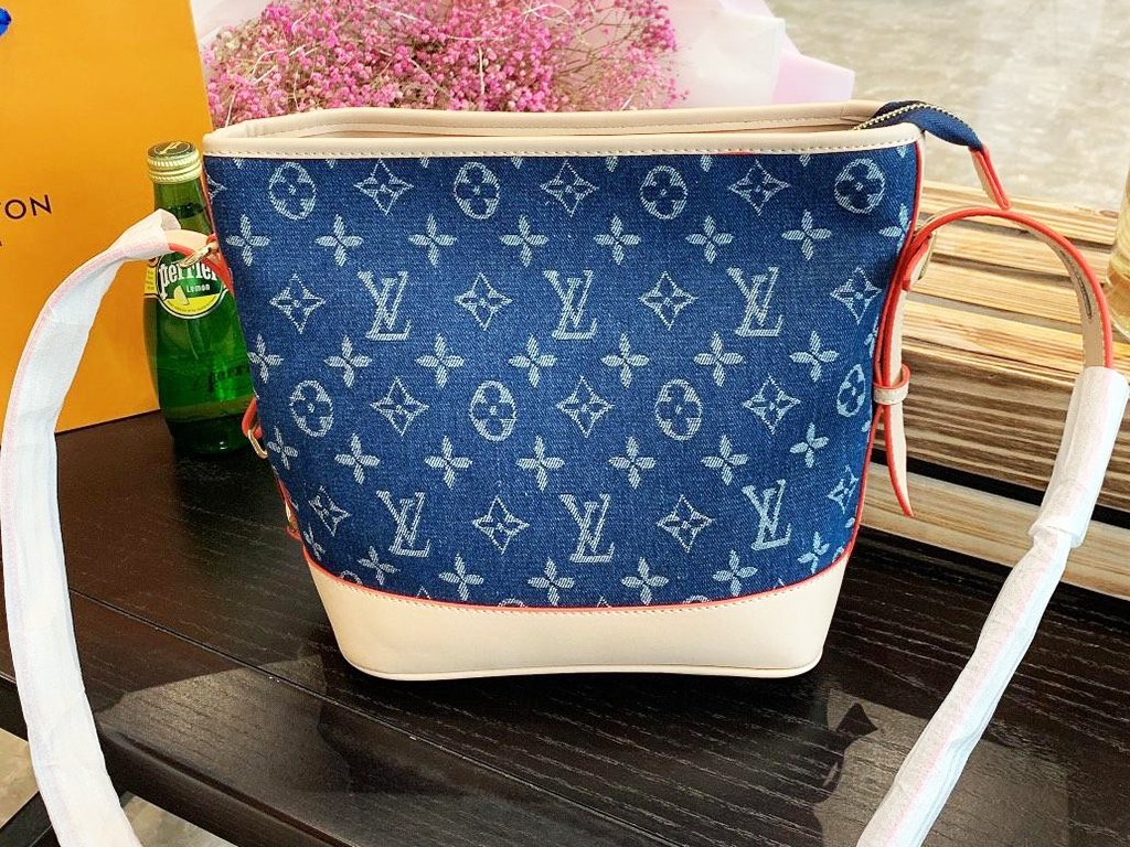 Image of Inseva LV Louis vuitton fashion hit sells women's denim printed patchwork leather cross-bucket bags