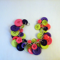 Beautiful button bracelet - purple/green