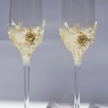 Personalized wedding flutes Champagne flûtes Gentle Embrace for the wedding ceremony Collection Idyll Wedding Glasses, flutes pearl ivory