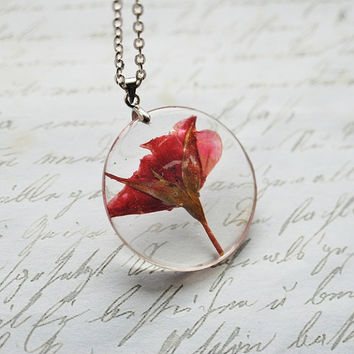 Pressed Flower Necklace Red Rose Resin Pendant Romantic Love Nature Inspired Transparent Circle Woodland Spring