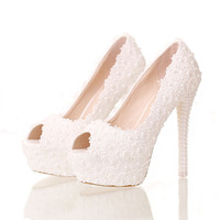 Flowered High Heels with Fine Pearl