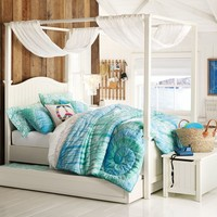 Beadboard Canopy Bed Set