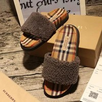 BURBERRY Woman Men Fashion Fur Slipper Shoes