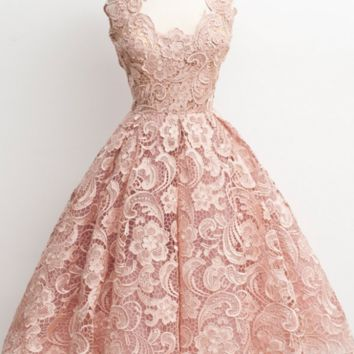Elegant Short Homecoming Dresses with Lace