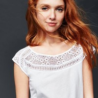 Cap sleeve dainty lace top