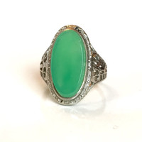 Gold Chrysoprase Ring Vintage Victorian Filigree Green Gemstone 18K White Gold Band Antique Art Deco Ring Estate Autumn Jewelry Chalcedony