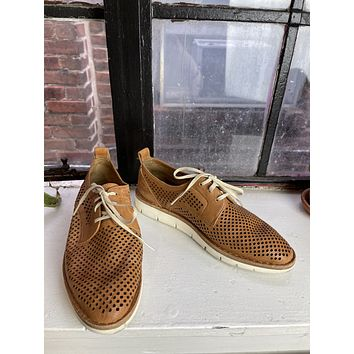 """Trask """"Lena"""" Perforated Leather Oxford (36)"""