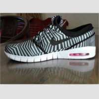 NIKE trend of sports shoes light running shoes Zebra pattern