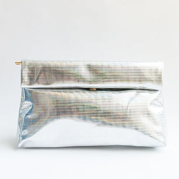 Women NEW Hezwagarcia Holographic Hologram Glossy Shiny Silver Button Roll High Quality Zipper Faux Leather Clutch Hand Bag Purse