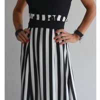 Maxi skirt / Long skirt / Black and white skirt / High waisted skirt / Summer skirt / Long striped skirt / Loose skirt