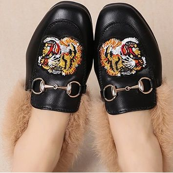Explosive fashion hot sale flat leather toe cap wool slippers shoes