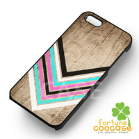 chevron pink mint red n white on wood-1nny for iPhone 4/4S/5/5S/5C/6/ 6+,samsung S3/S4/S5,S6 Regular,S6 edge,samsung note 3/4