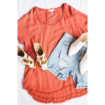 Piper Hi Low Linen Top, Red Clay   Plus Size